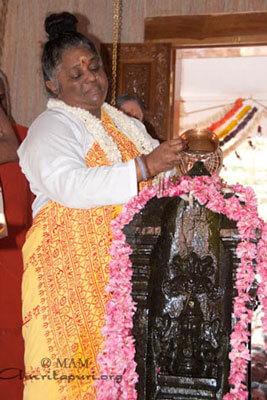 കണ്ണൂര് ബ്രഹ്മസ്ഥാന പ്രതിഷ്ഠാ വേളയില്